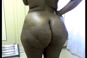 Dark-hued web cam Plumper with a phat..