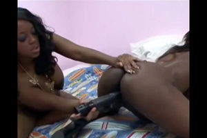 Prego ebony  having joy with her..